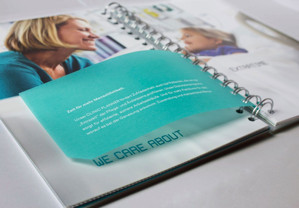 KLAGES & Partner - Brandbook Closeup transparente Innenseite