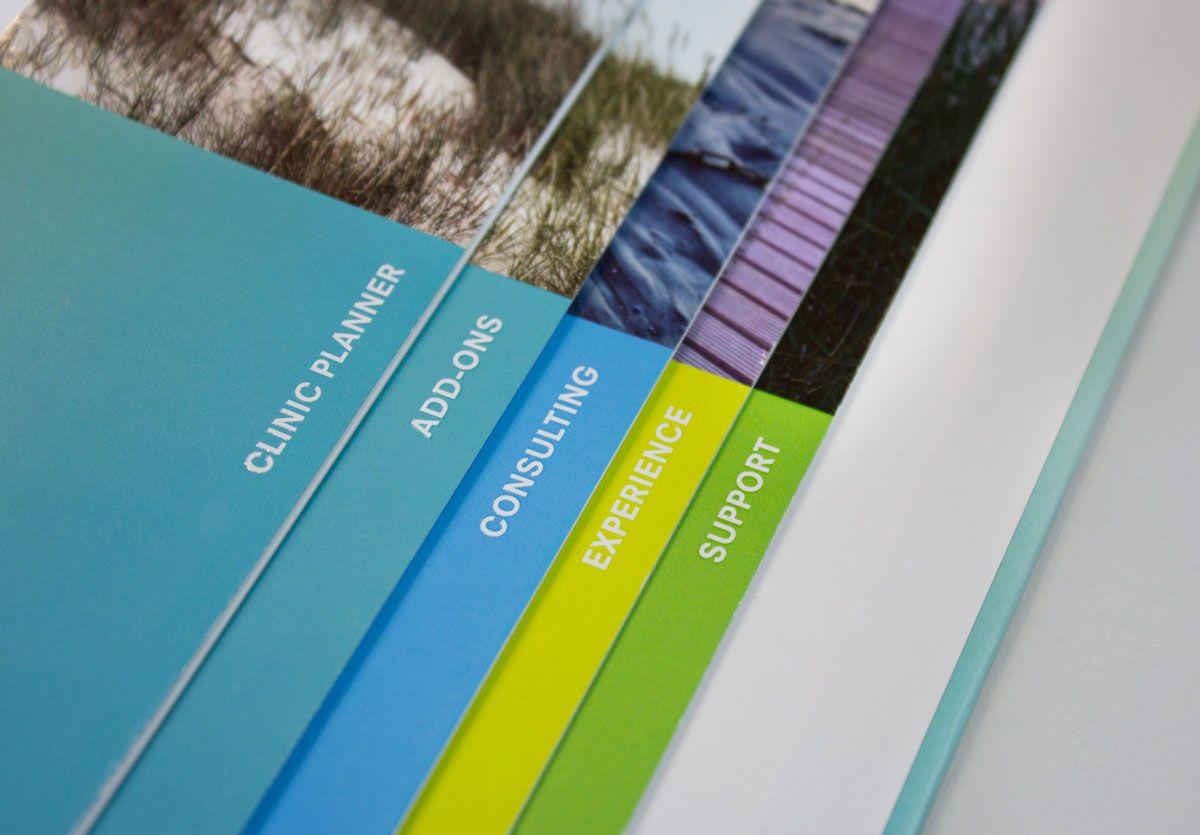 KLAGES & Partner - Broschüren Stapel